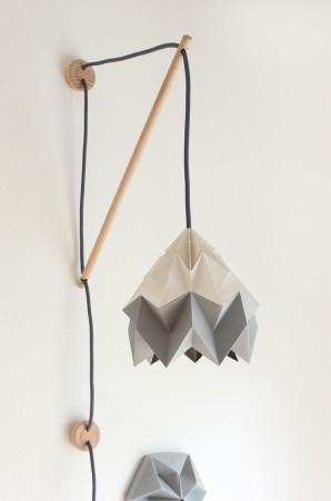 Muurlamp Klimoppe met Moth bicolor