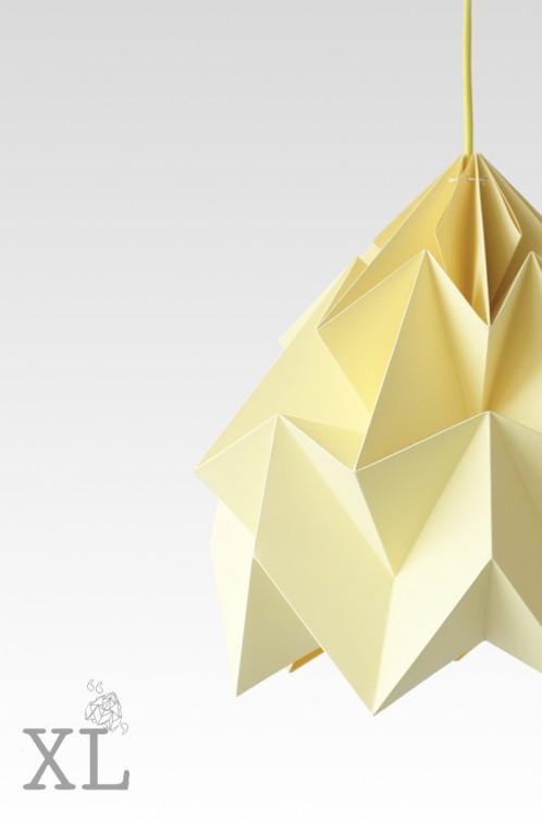 Moth XL gevouwen papieren origami lamp kanarie geel