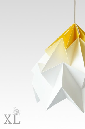 Moth XL gevouwen papieren origami lamp gradient geel